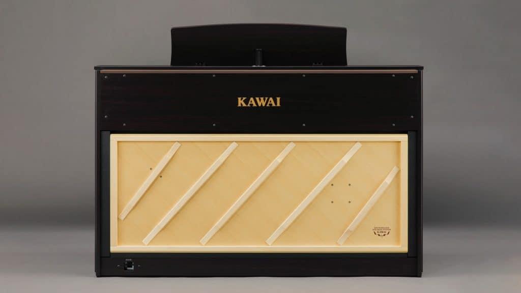 Kawai CA-98 Rückseite mit Transducer Resonanzboden
