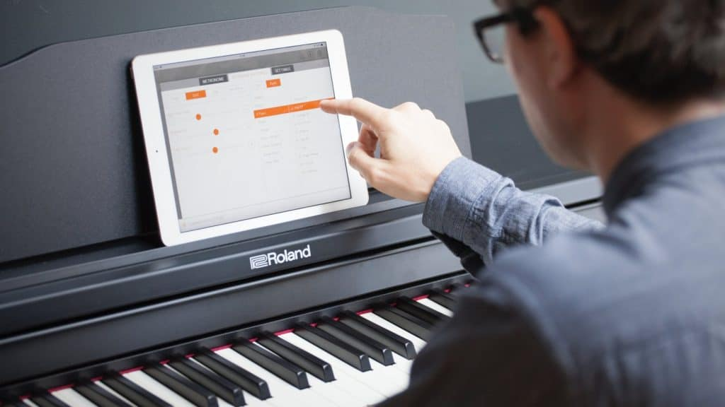 digitalpiano unter 1000 euro preiswert klavier spielen pianoo. Black Bedroom Furniture Sets. Home Design Ideas