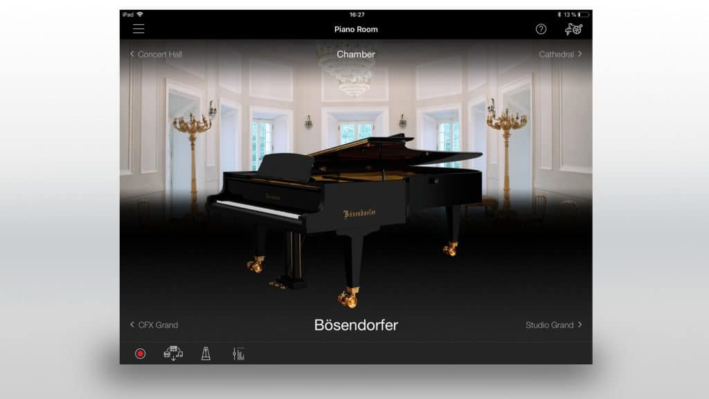 yamaha-smart-pianist-piano-room