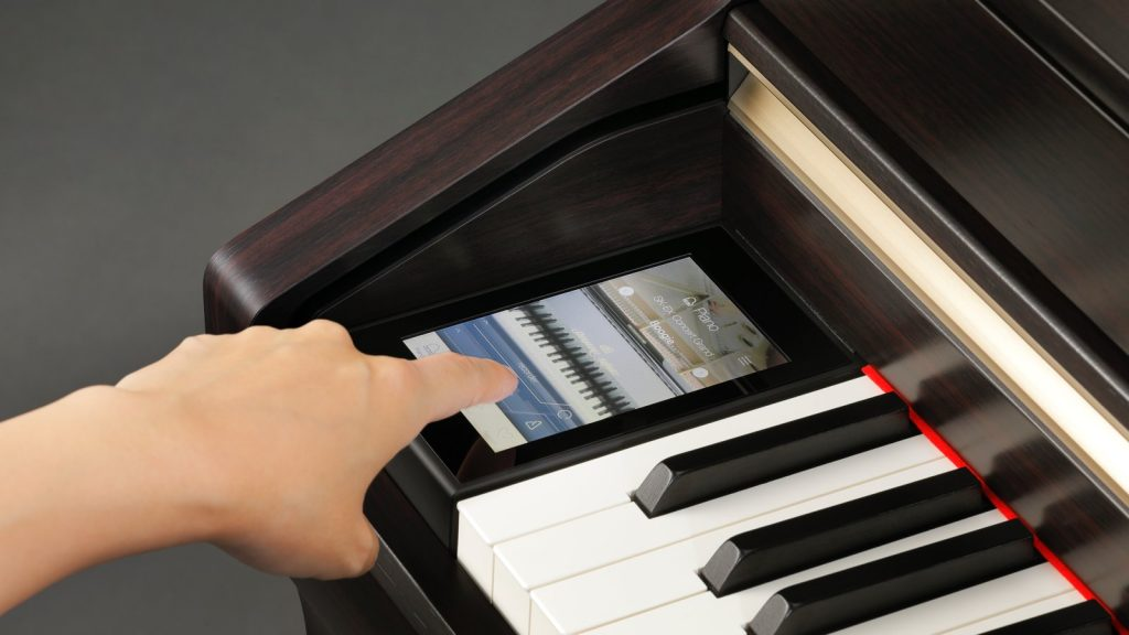 Kawai CA98 komfortable Bedienung über Touch Display