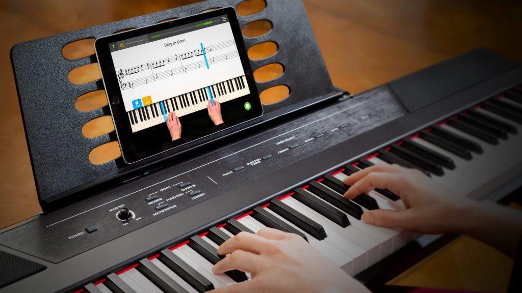 Mit Skoove Klavier lernen - per App oder Computer