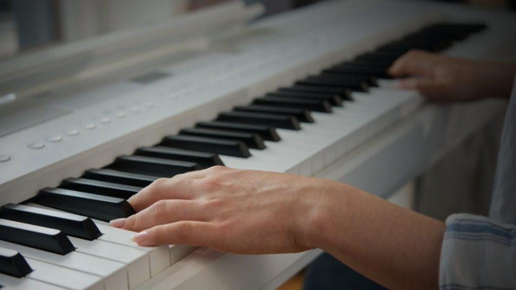 Die zweite Generation der RH-Compact  Hammermechanik-Tastatur arbeitet mit dank 3-Sensor-System präzise bei Repetition und Dynamikumsetzung. (Bildquelle: Kawai)