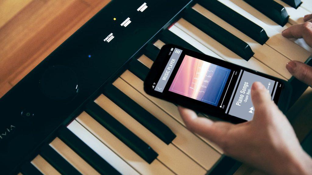 Drahtlos Musik vom Smartphone an die Lautsprecher des Casio PX-S1100 übertragen. (Bildquelle:Casio)